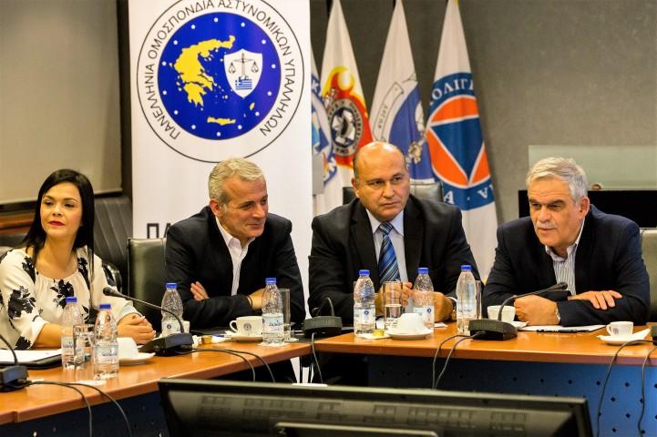 Τζανέτος ΦΙΛΙΠΠΑΚΟΣ - Στην 3η Πανελλαδική Συνδιάσκεψη της Γραμματείας Γυναικών Π.Ο.ΑΣ.Υ (3)
