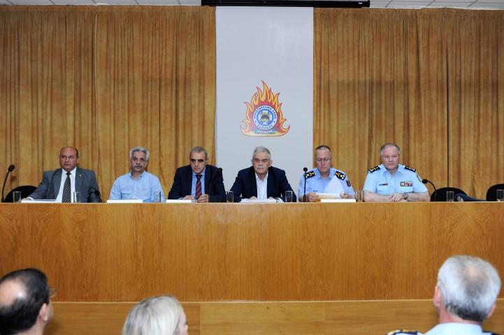 Τζανέτος ΦΙΛΙΠΠΑΚΟΣ - Σύσκεψη για την τρέχουσα αντιπυρική περίοδο στο Ε.Σ.Κ.Ε. (α)